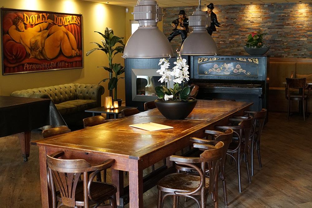 bruin-cafe-oosterwolde-friesland-eten-drinken-borrelen-dineren-eetcafe-grandcafe